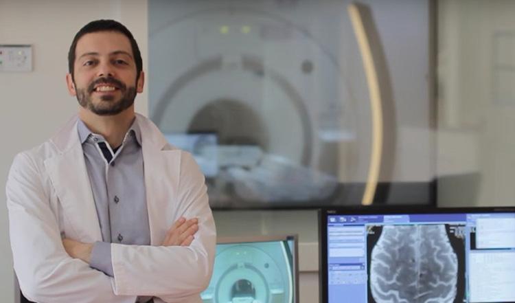 Мауро Костальи: «Я не знаю ни одной приличной песни о науке»