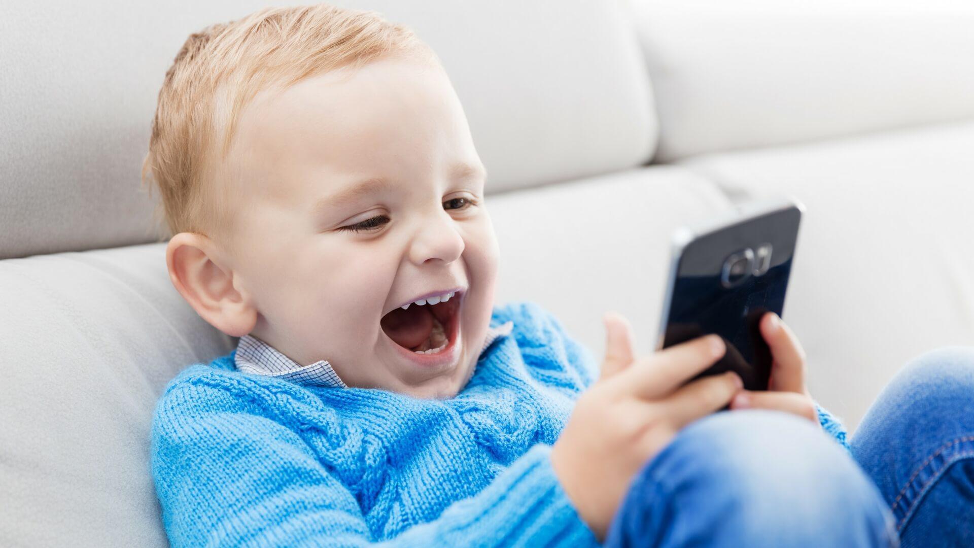 Гаджеты или неестественный отбор: что конкретно делает детей «глупее»?