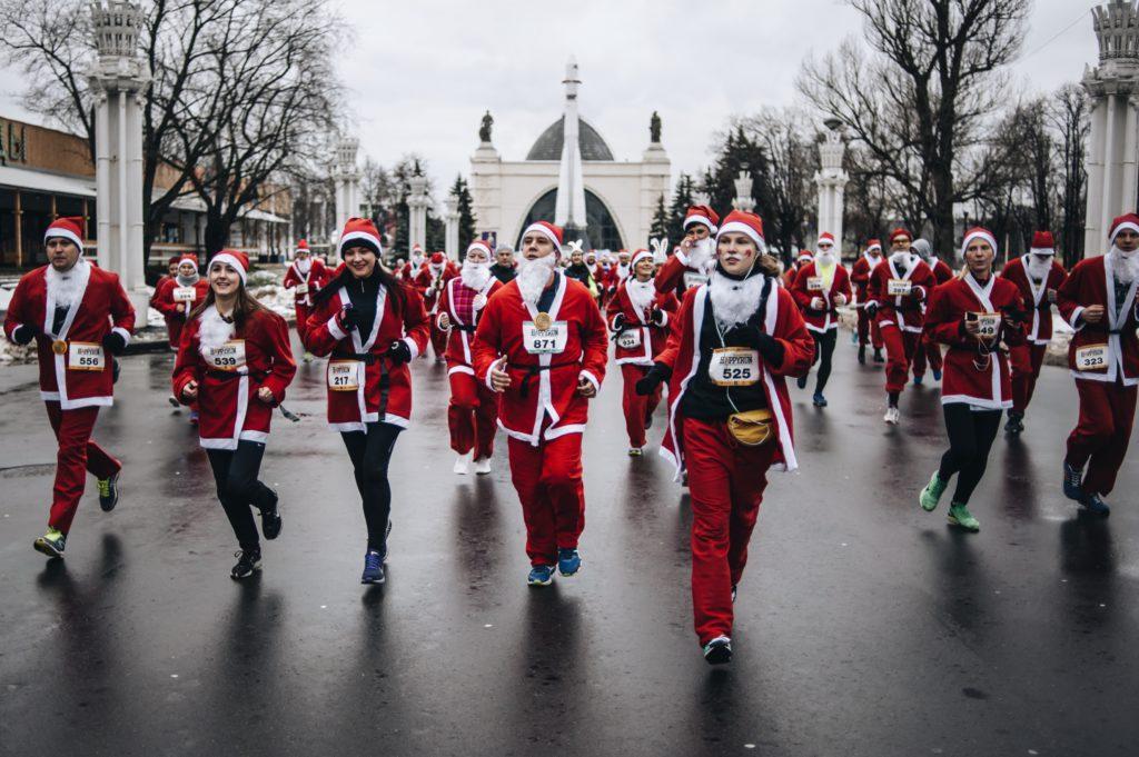 на благотворительный забег Дедов Морозов в Москве открыта регистрация