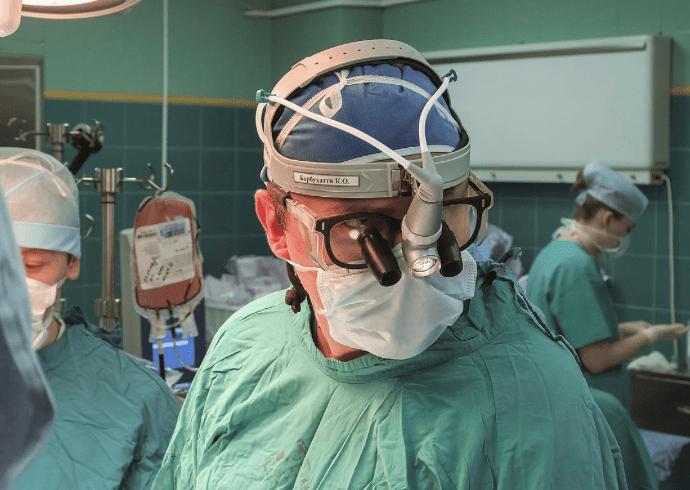 спасая пациента от кровопотери, российские врачи охладили его тело до 20 градусов