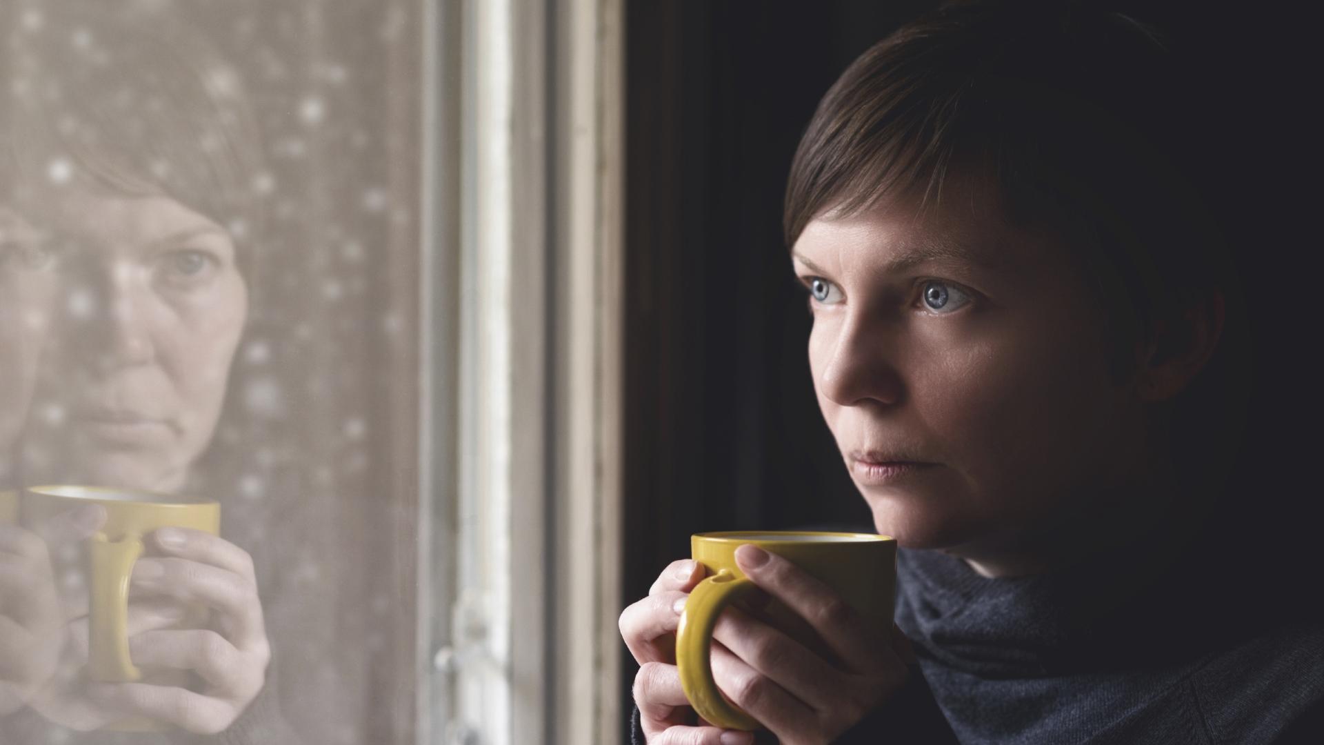 Психологи подтвердили явление эмоционального похмелья