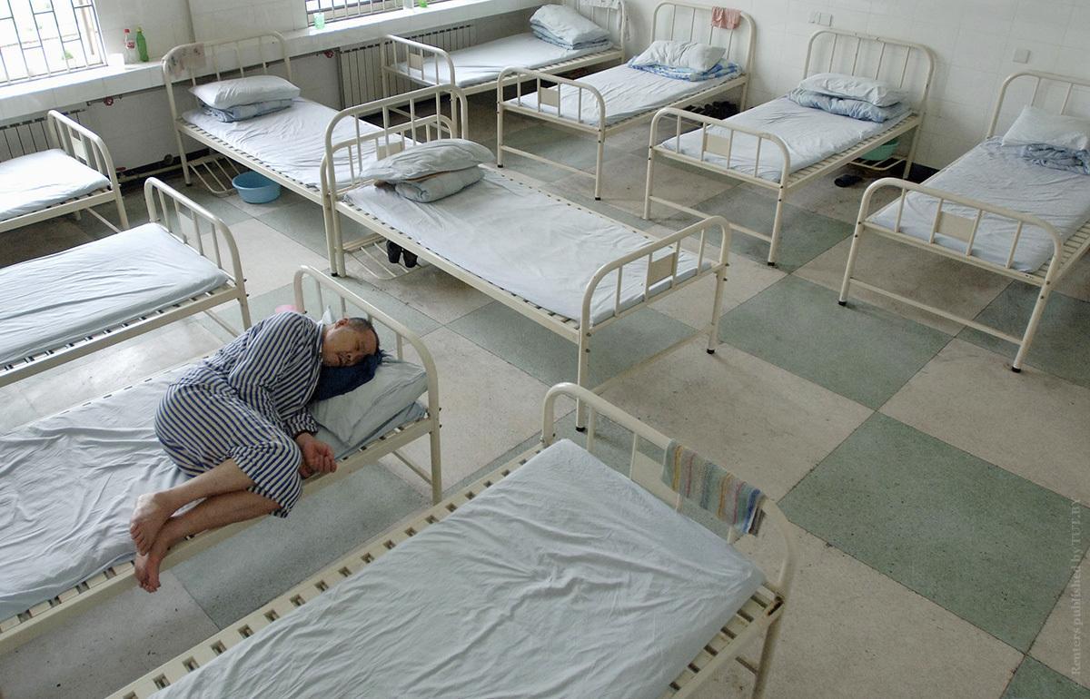прокурорам предлагают ежедневно навещать пациентов психбольниц
