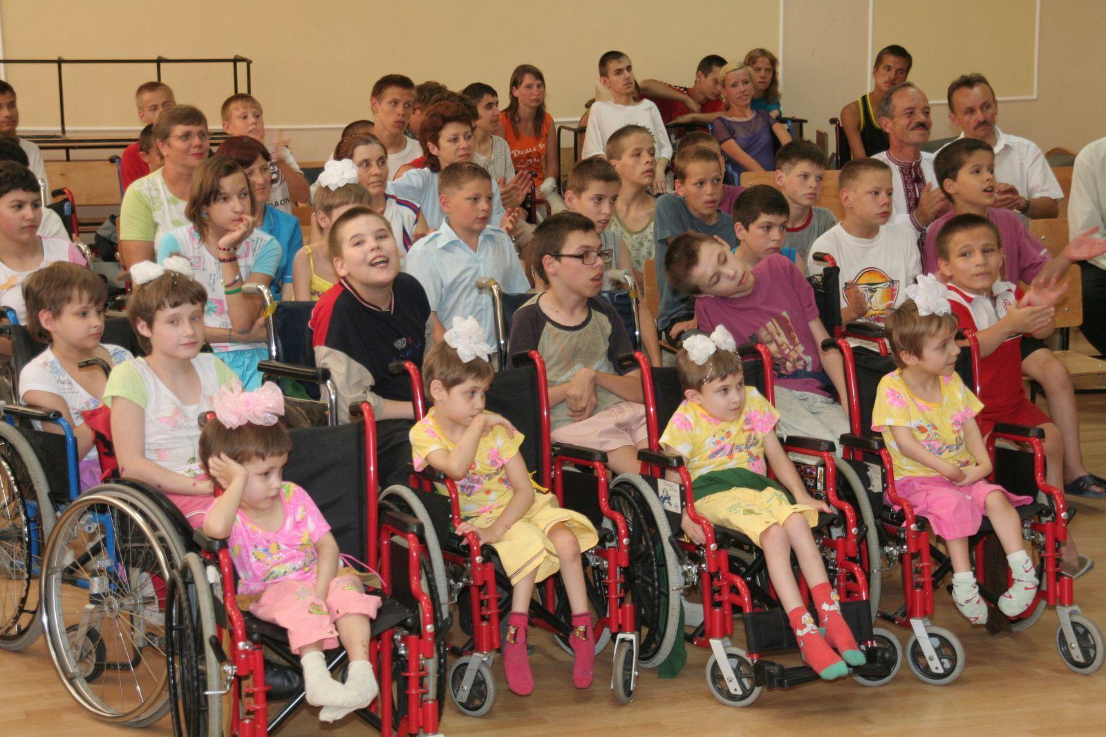 эксперты рассказали, что нужно менять в интернатах для детей-инвалидов
