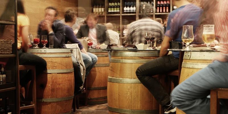 ученые объяснили тягу к спиртному при депрессии