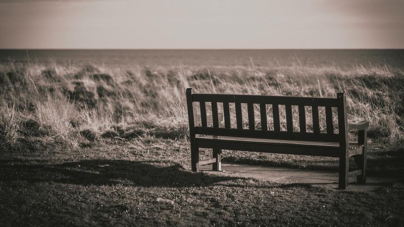 одиночество признали симптомом болезни Альцгеймера