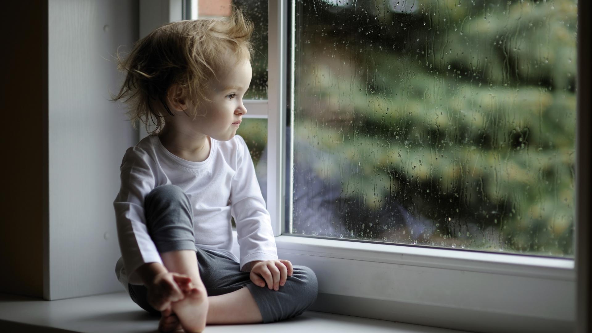 Почему некоторые дети начинают говорить позже сверстников