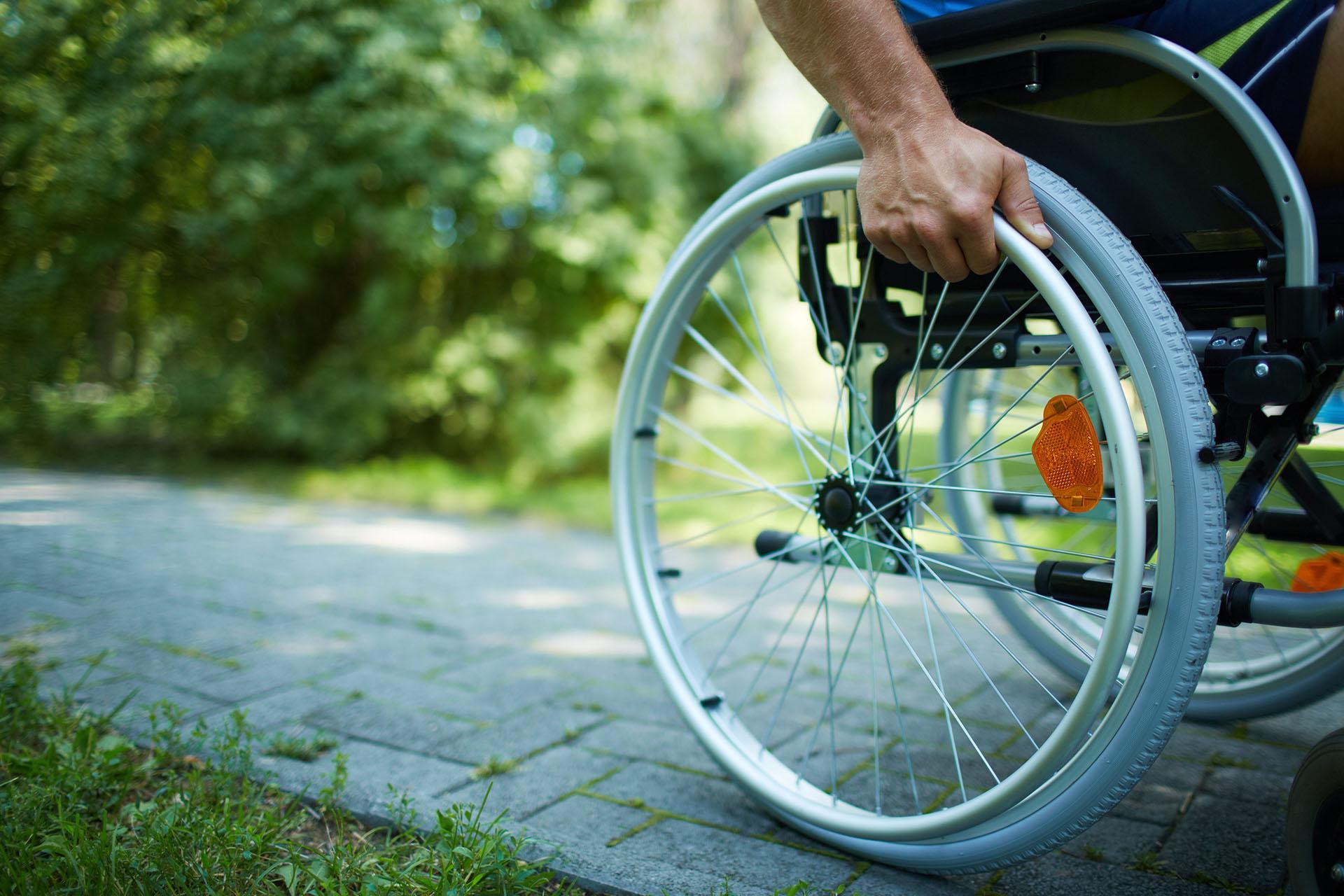 Без дома и работы: как государство дискриминирует белорусов с инвалидностью