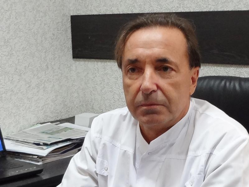 главврача смоленского онкодиспансера уволили за долги