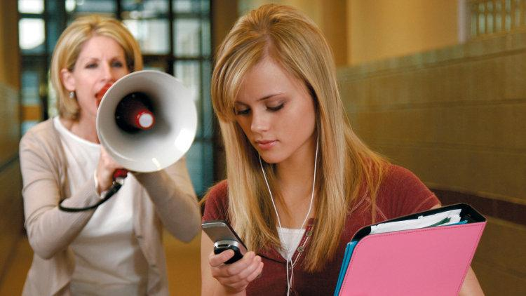 смартфоны портят общение