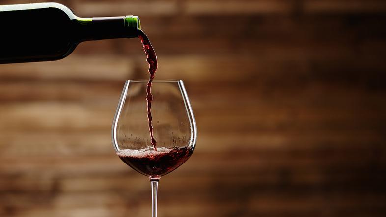 трудоголики могут стать алкоголиками