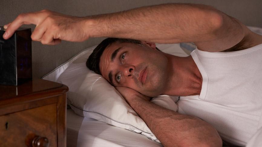 большинство людей теряет сон из-за стресса