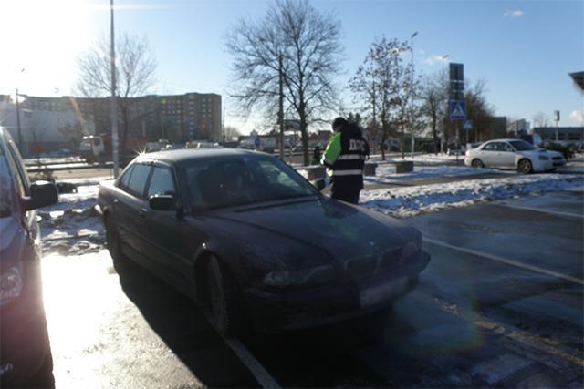 P1010019 copy1 - От извинений до агрессии: как реагируют на замечания водители, занявшие парковку для инвалидов