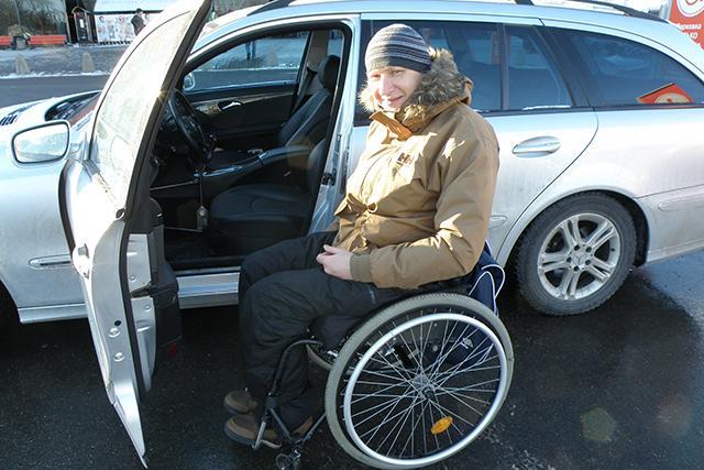 P1010036 copy1 - От извинений до агрессии: как реагируют на замечания водители, занявшие парковку для инвалидов
