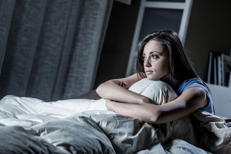 Почему люди с депрессией плохо спят