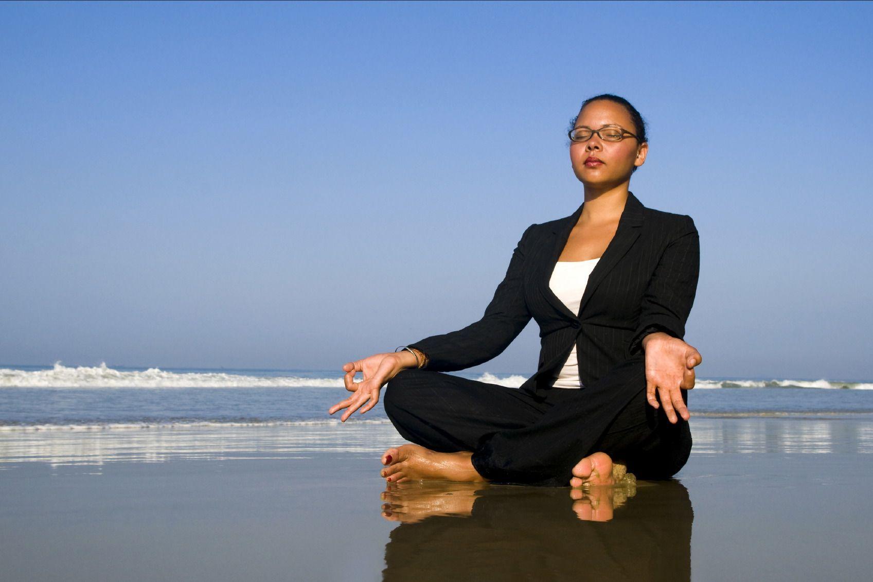 Медитация на 40% снижает стресс на работе