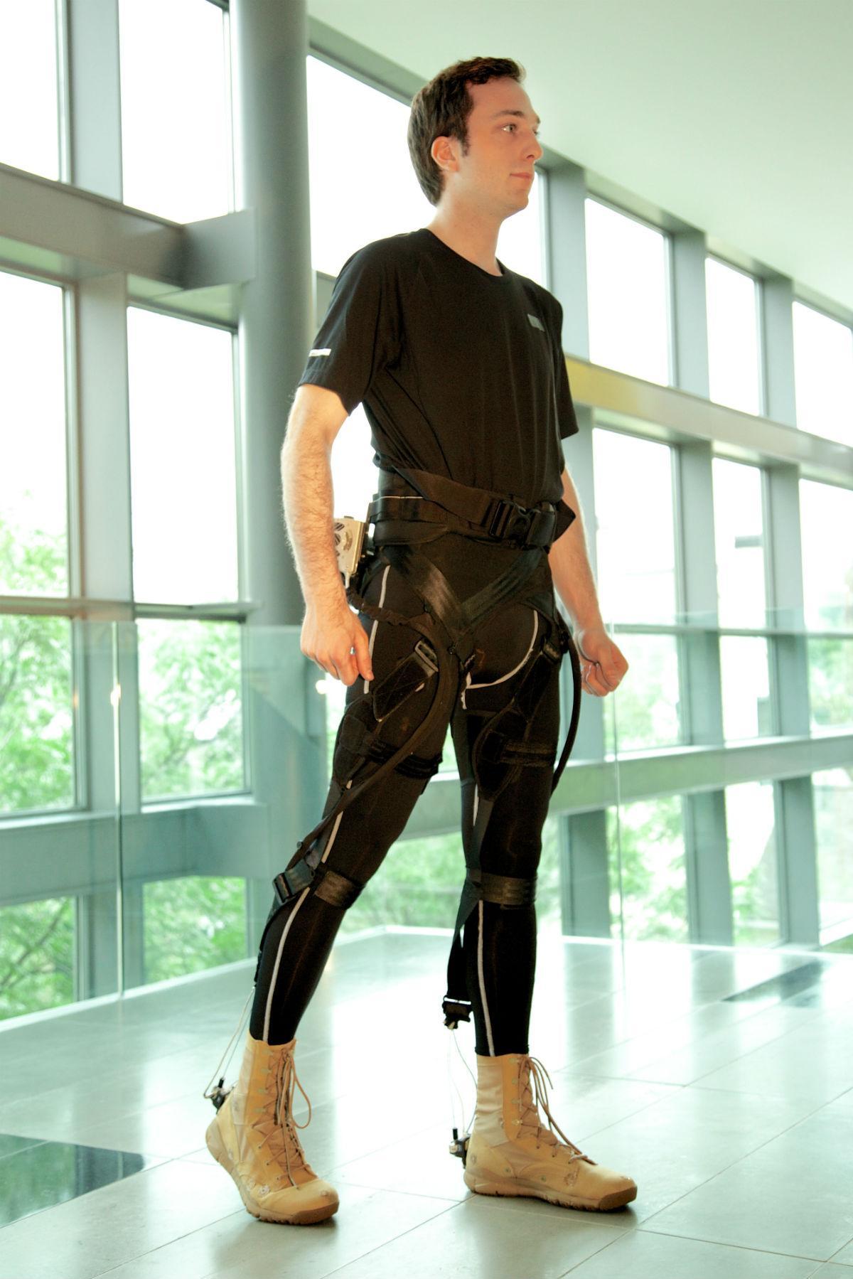 Новый мягкий экзоскелет поможет пациентам с ограниченной подвижностью ног