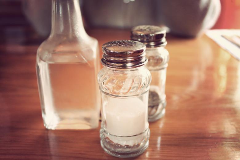 в чём соль