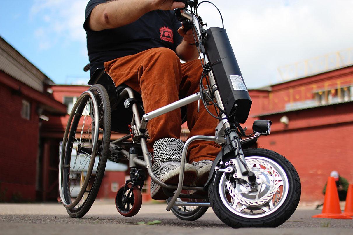 Приставка UNA превратит любую инвалидную коляску в электрическую