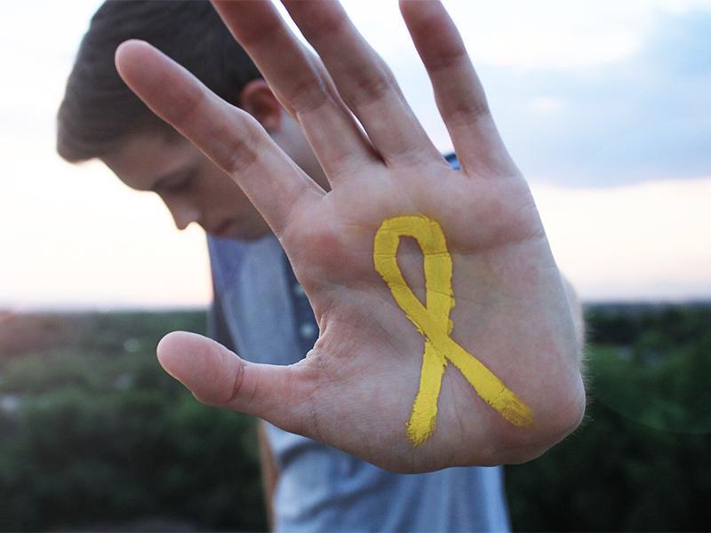 ежегодно 800 тысяч человек кончают жизнь самоубийством
