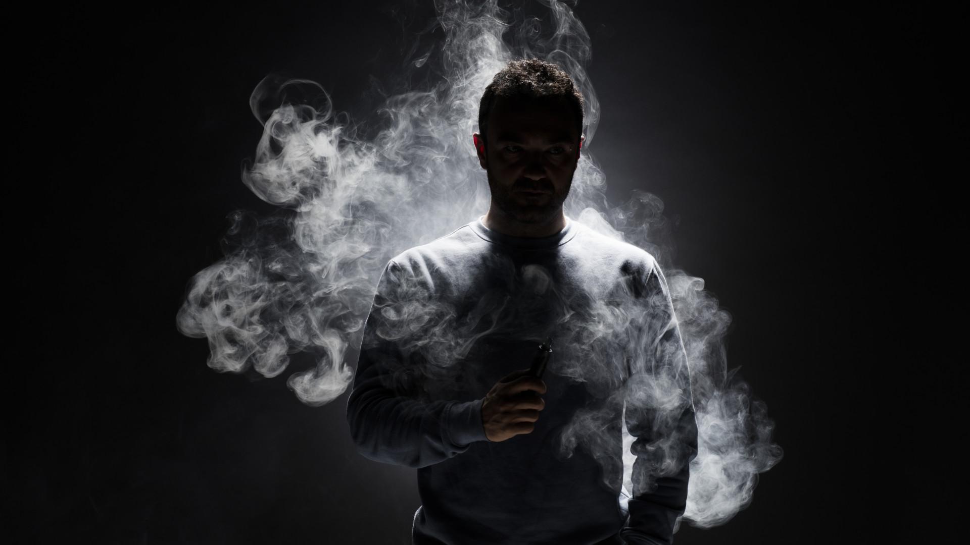 Кто и зачем хочет приравнять электронные сигареты к обычным