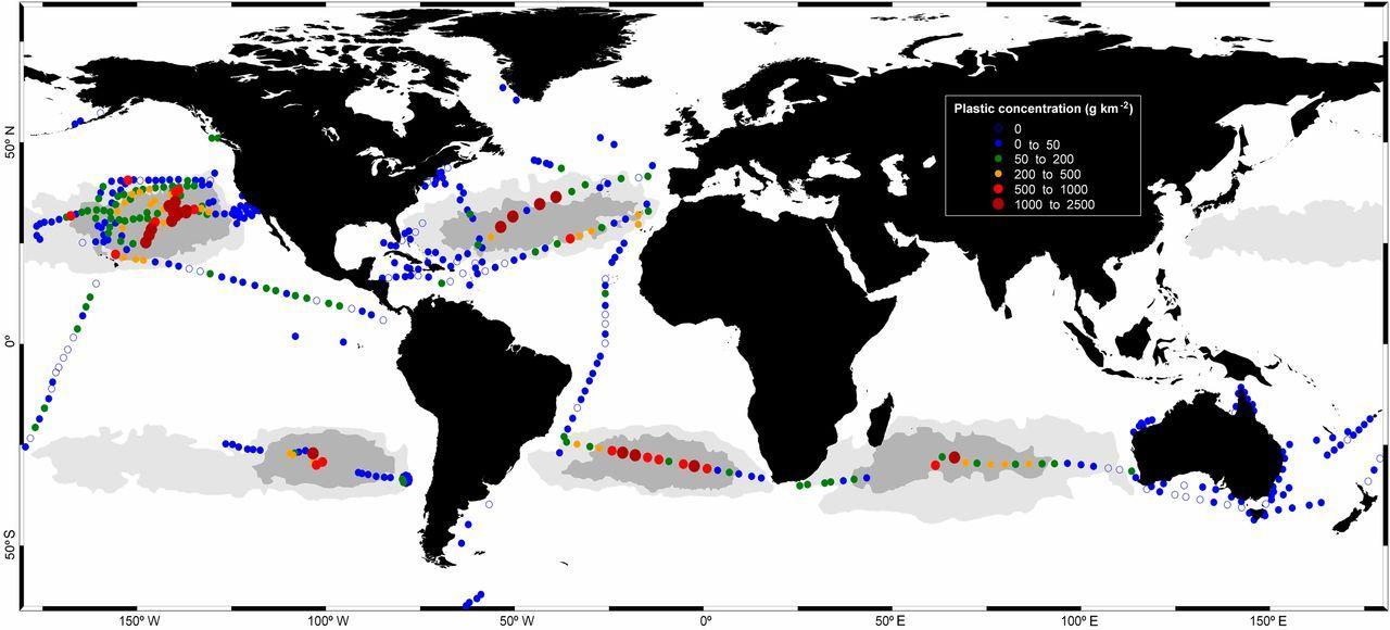Составлена карта «пластиковых материков» Мирового океана