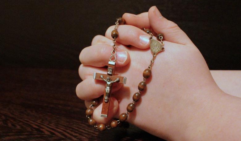нейрофизиология объясняет, зачем уединяться и молиться