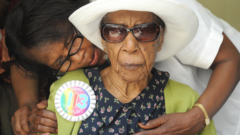 Самая старая женщина планеты всю жизнь питается беконом