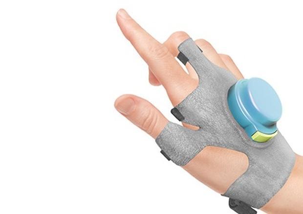 2bdab4e8c3dce8a9b1d89673857026eb1 - Антипаркинсоническая перчатка с гироскопом поступит в продажу в 2016 году