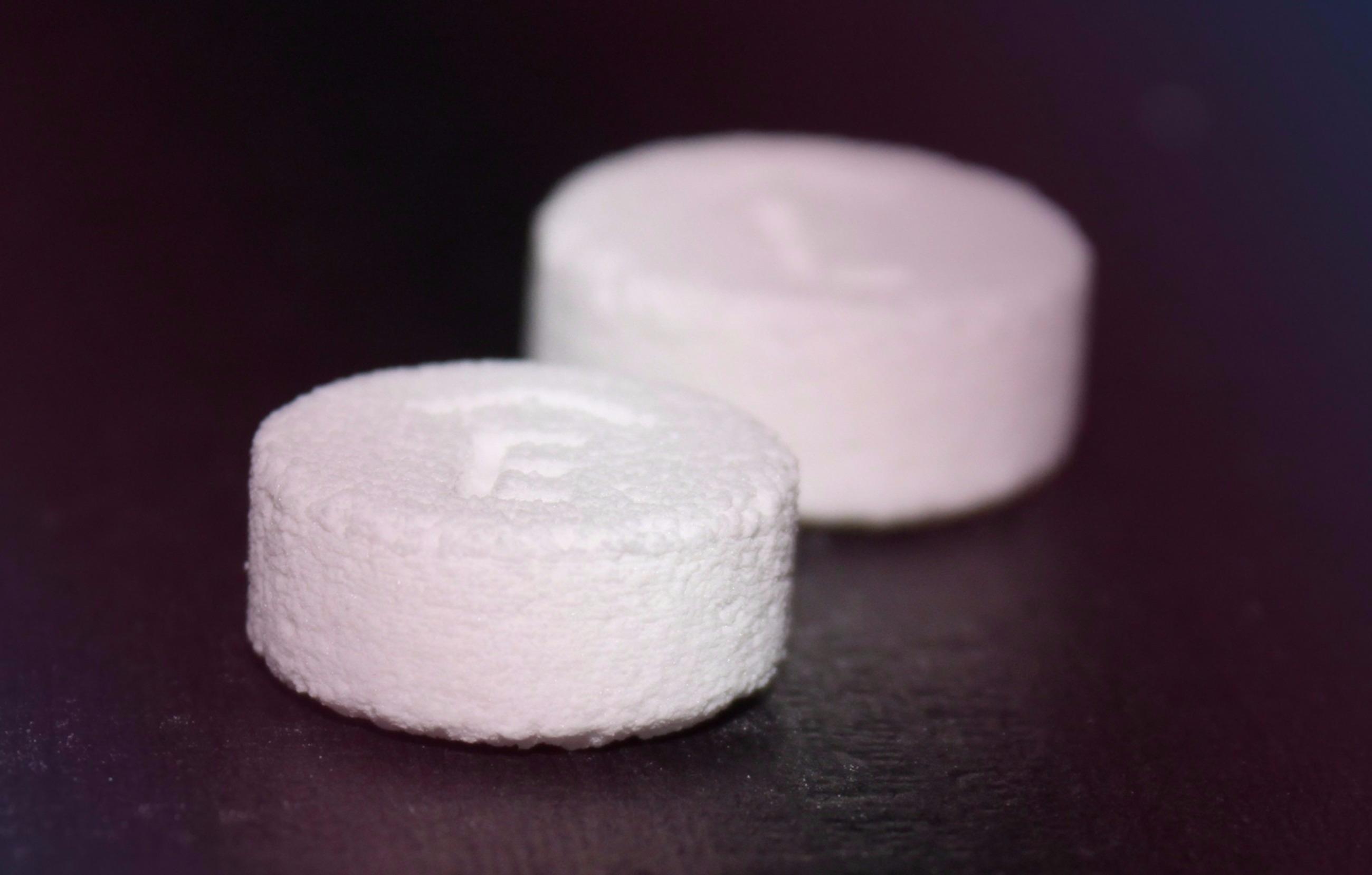 В США начали продавать напечатанные на 3D-принтере таблетки