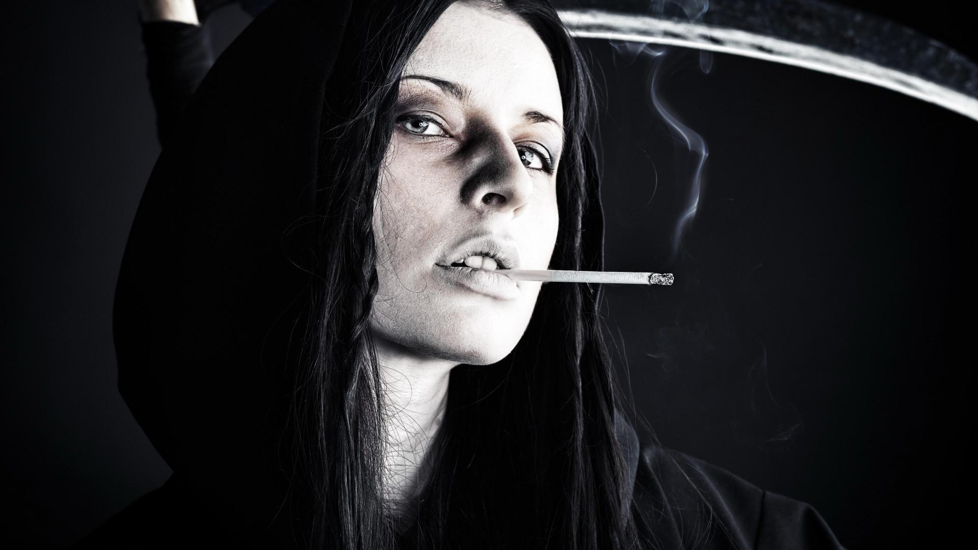 Курить нельзя бросить. Можно ли сочетать вредные привычки и заботу о здоровье зубов?
