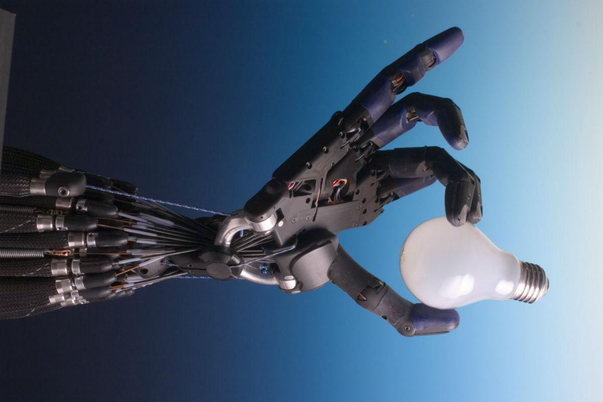 Искусственная кожа для роботов обрела тактильную память