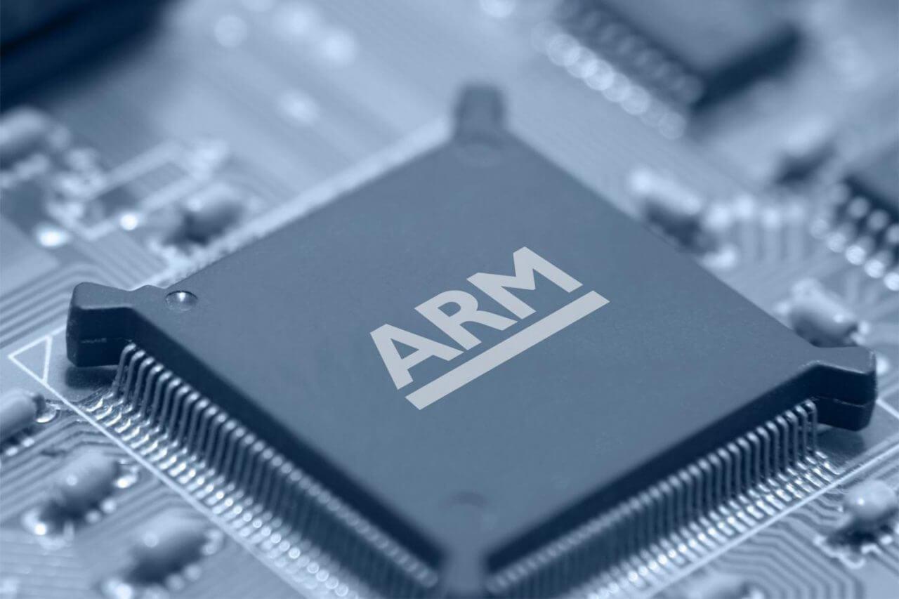 ARM создаст мозговой имплантат с обратной связью