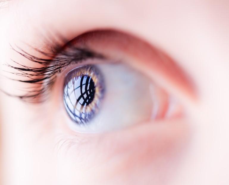 стволовые клетки позволили восстановить поврежденную роговицу глаза