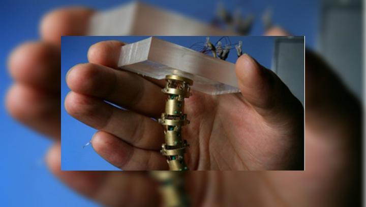 робота-личинку научили съедать опухоли