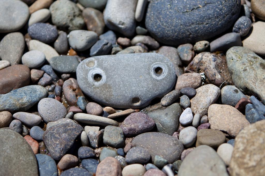 Даже в камне можно найти личность, особенно, если вы хотите его продать или купить
