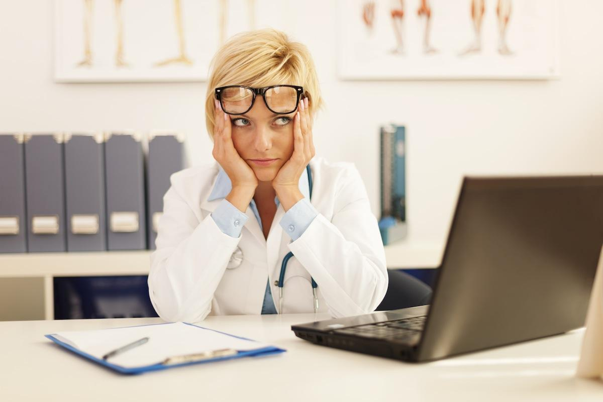 более половины российских медработников хотели бы перейти в частную медицину