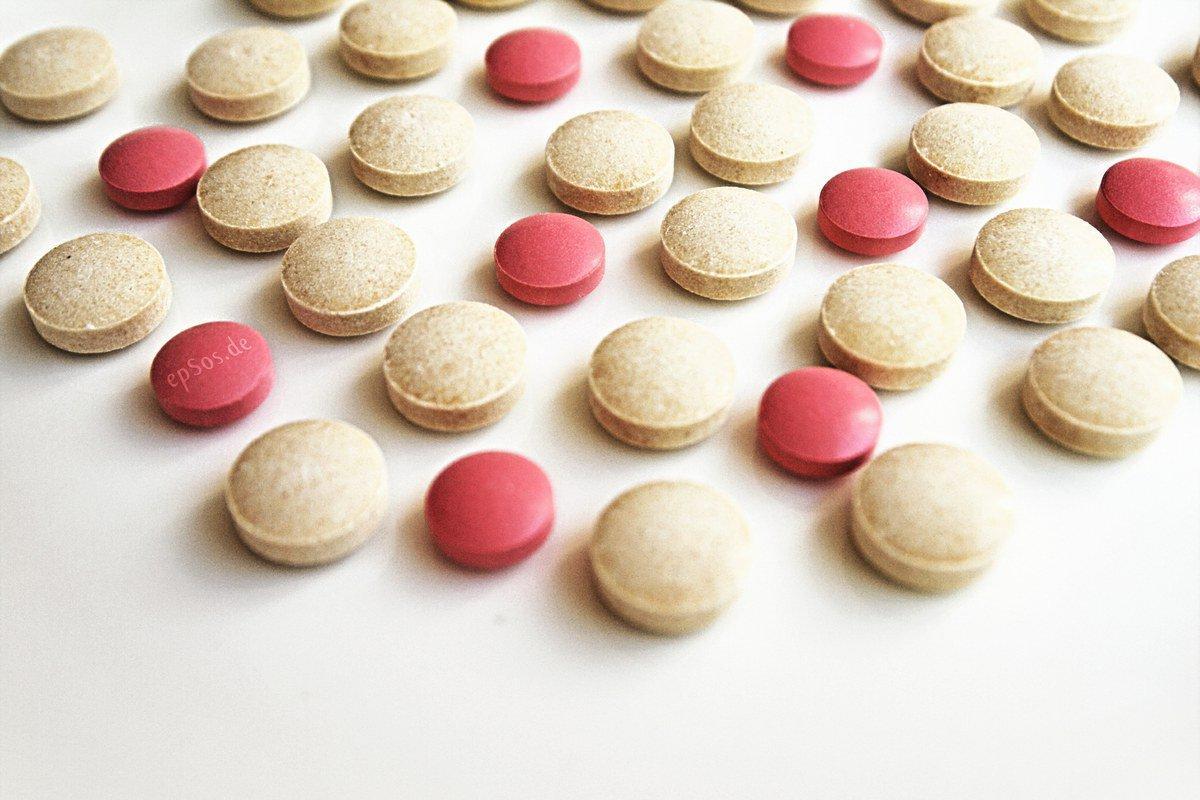 Ренни против Омепразола: чем лечить проблемы с желудком