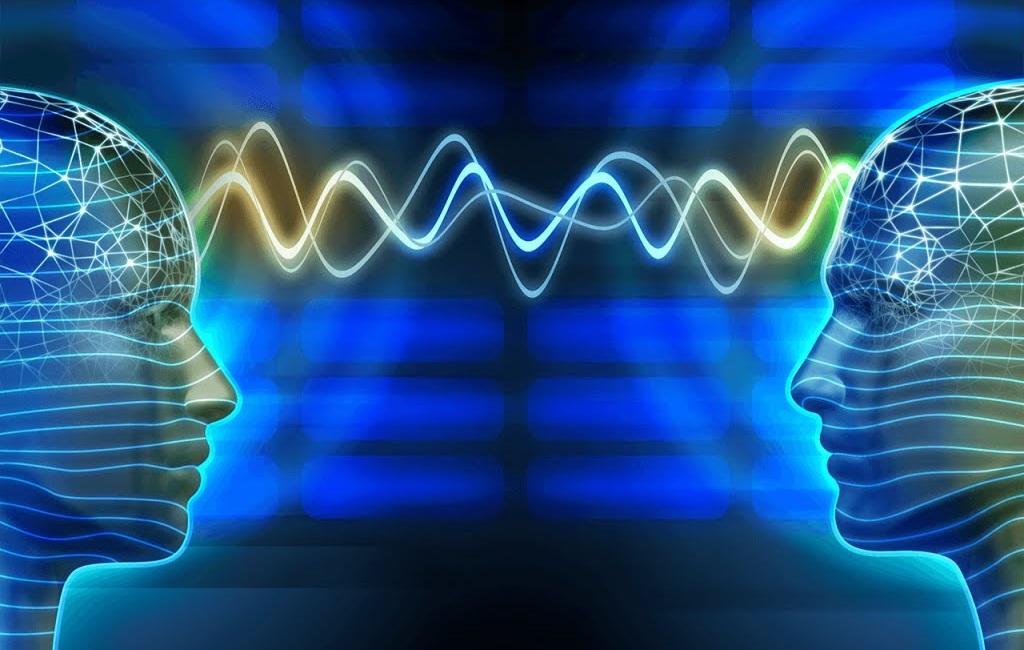 нейробиологи обнаружили синхронизацию мозговой деятельности у собеседников