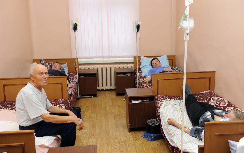 количество мест в российских больницах сократилось