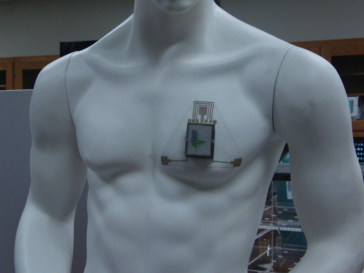 новый носимый гаджет предскажет и предотвратит приступ астмы