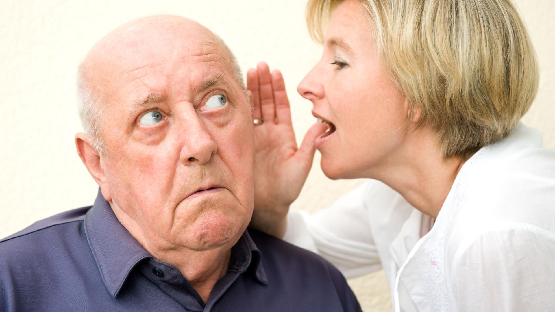 Потеря слуха в пожилом возрасте может развиваться по генетическим причинам