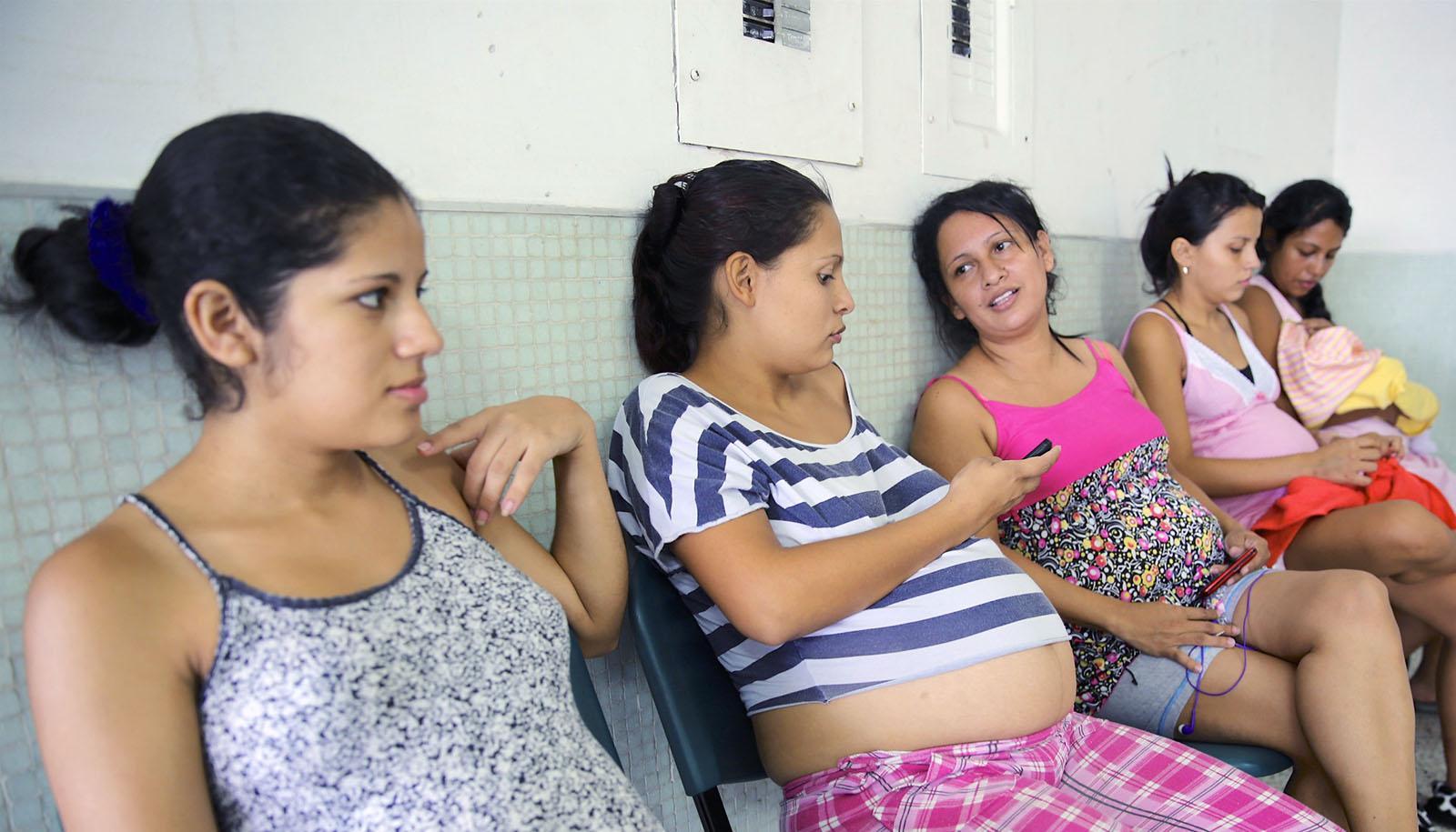 Новая методика моделирования предсказала миллион случаев лихорадки Зика у беременных
