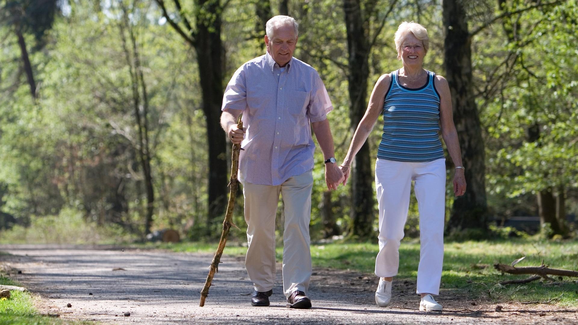 Медленная ходьба предсказывает смерть от сердечных заболеваний