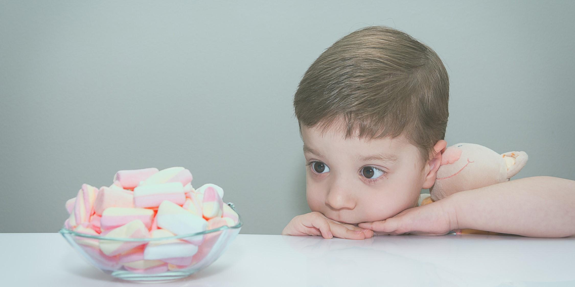 Современные дети справились с зефирным экспериментом лучше предшественников