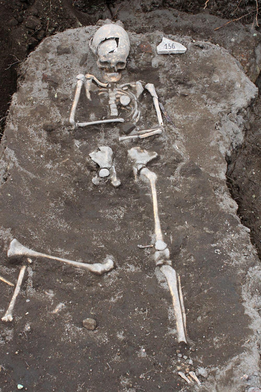 """Археологи нашли в Болгарии """"могилу вампира"""""""