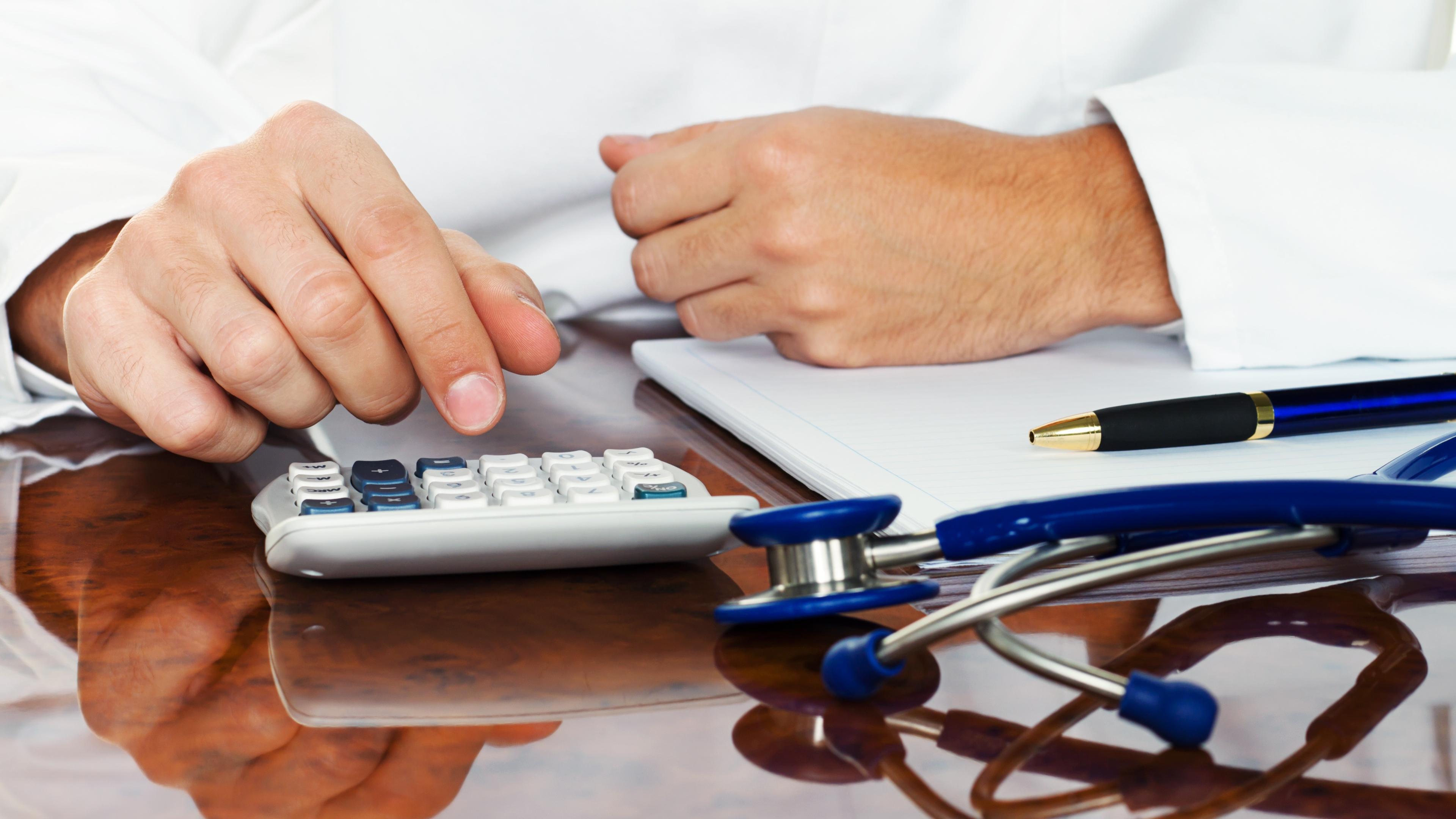 Частные клиники признали наличие раздутых стандартов для обследования и лечения