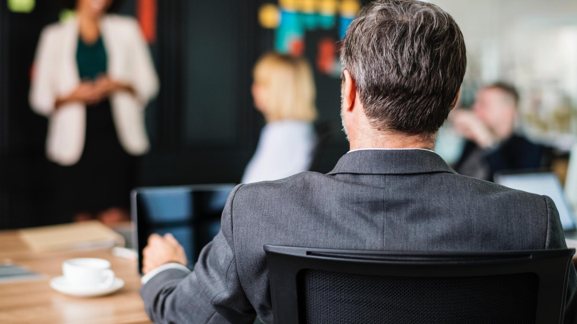 Сотрудники, ощущающие несправедливость на работе, чаще и дольше болеют