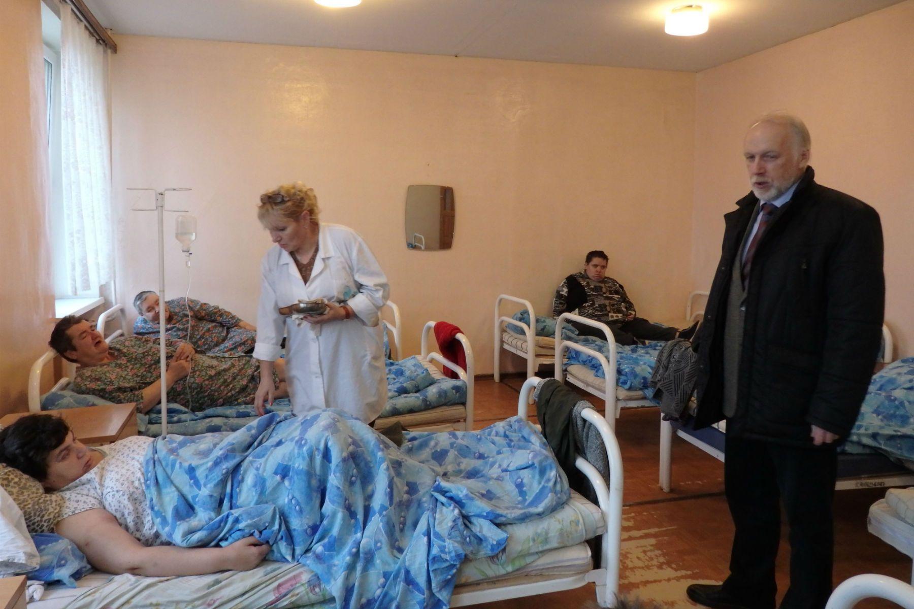 Минтруд и общественные организации планируют изменить условия проживания в ПНИ