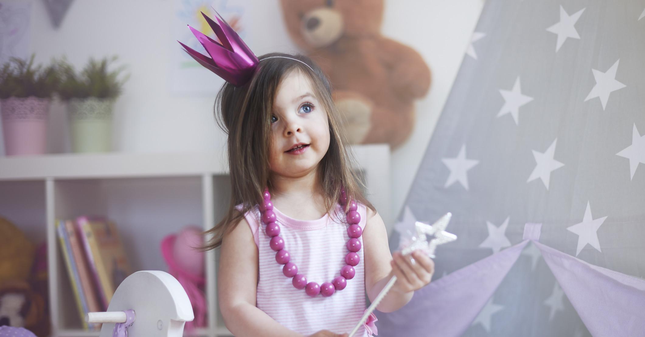 Частые игры в принцесс негативно сказываются на девочках