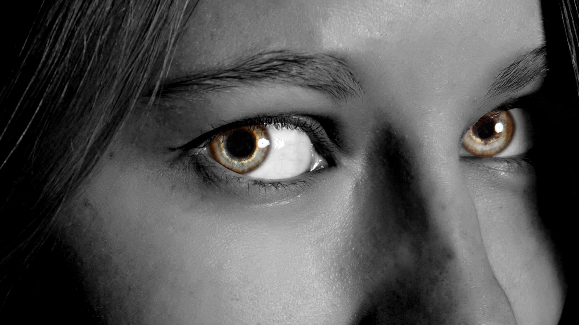 Чтобы вспомнить - двигай глазами